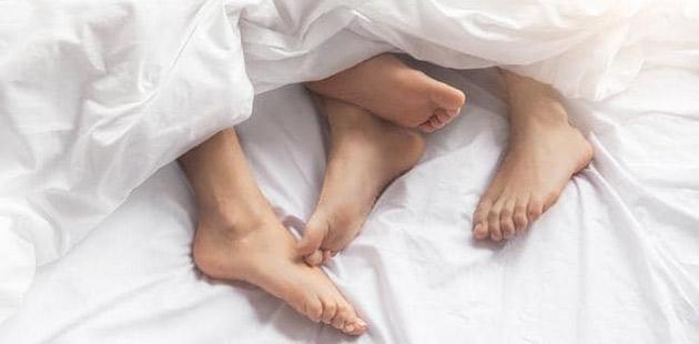 APN Feet in Bed