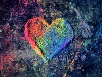APN-Chalk-Rainbow-Heart