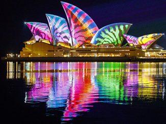 Vivid Sydney 2017 Lighting Of The Sails - photo by Audio Creatures APN